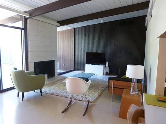 living-room-siding