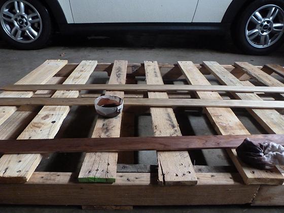 staining-baseboard