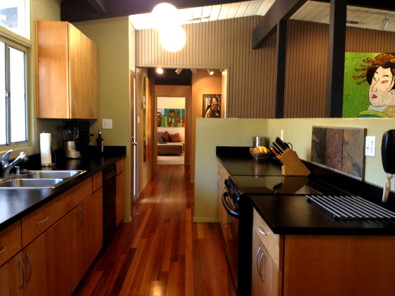 6489-s-land-park-dr-kitchen