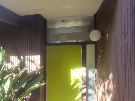 front-door-globe