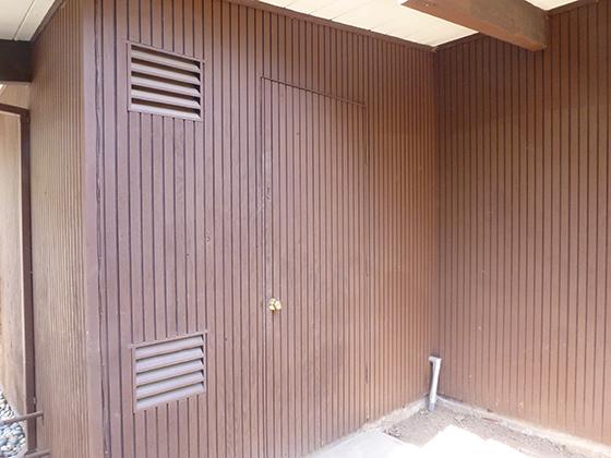 tool-shed-door
