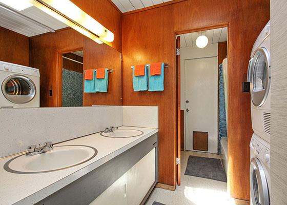 5664-greenridge-guest-bath