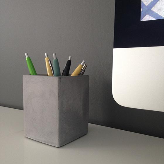concrete-pen-pot