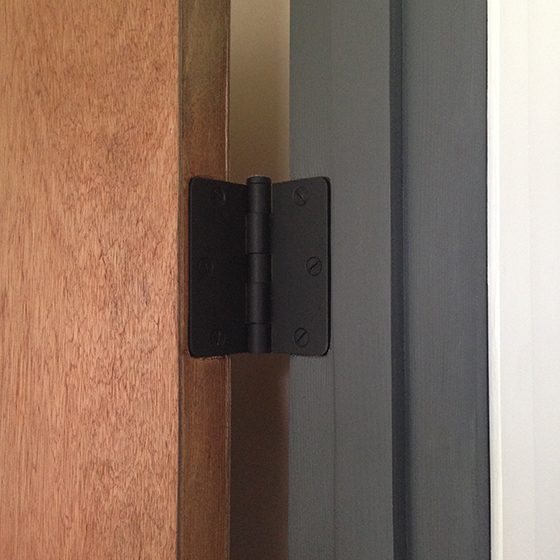 guest-bath-door-hinge