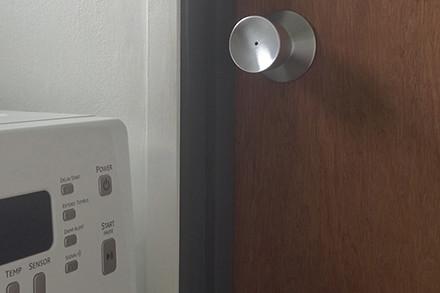 guest-bath-door-thumb