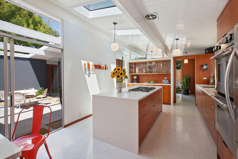 4095-phoenix-st-kitchen-atrium