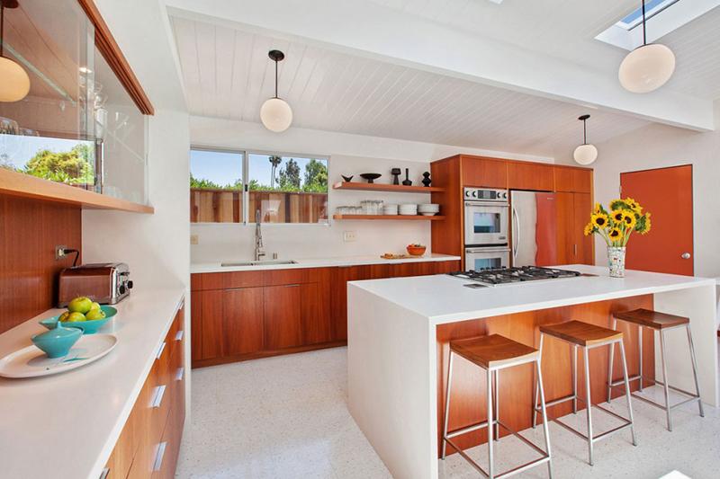 4095-phoenix-st-kitchen