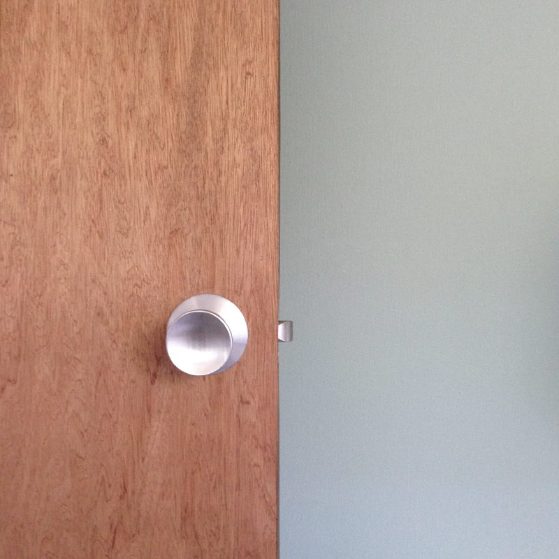 guest-room-door-handle