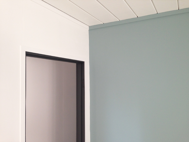 guest-room-door-trim
