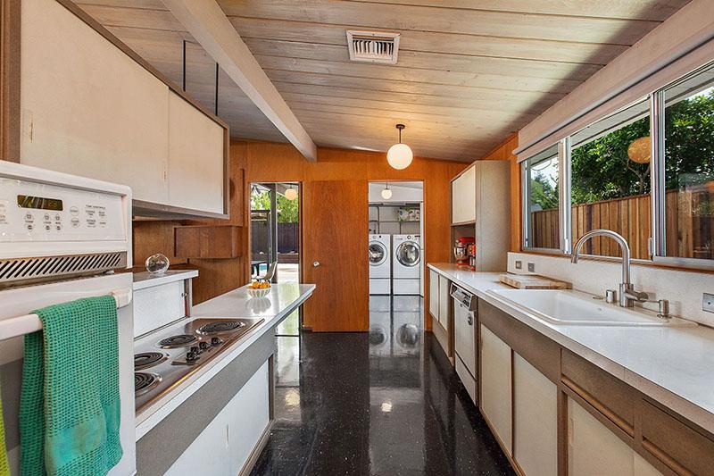 4149-sacramento-st-kitchen-laundry