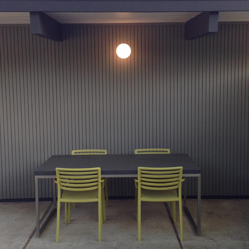 dining-globe-lit
