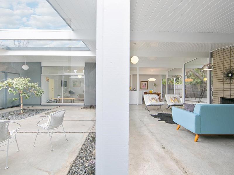 586-s-woodland-atrium-living