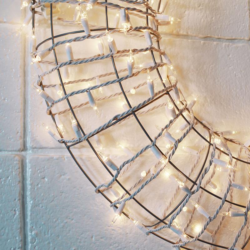 eichler-christmas-3-wreath-close