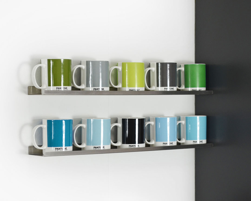 kitchen-refresh-pantone-shelf