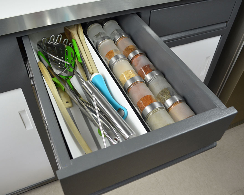 kitchen-refresh-spice-drawer
