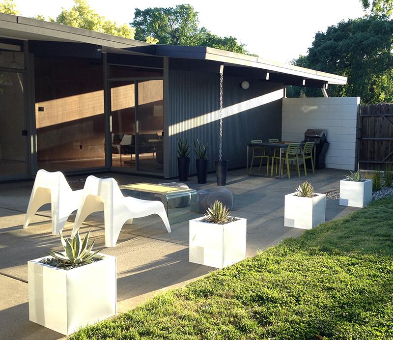 patio-planters-view