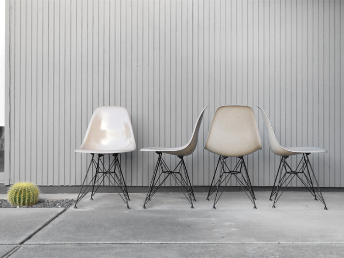 shell-chairs-lined-up