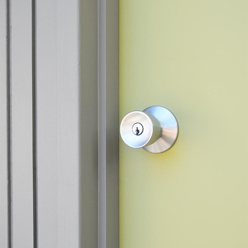 front-front-door-handle
