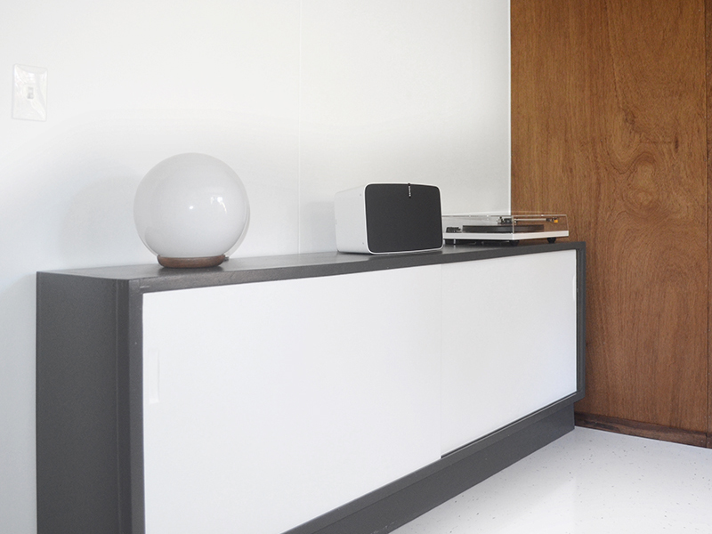 vinyl-coffin-setup