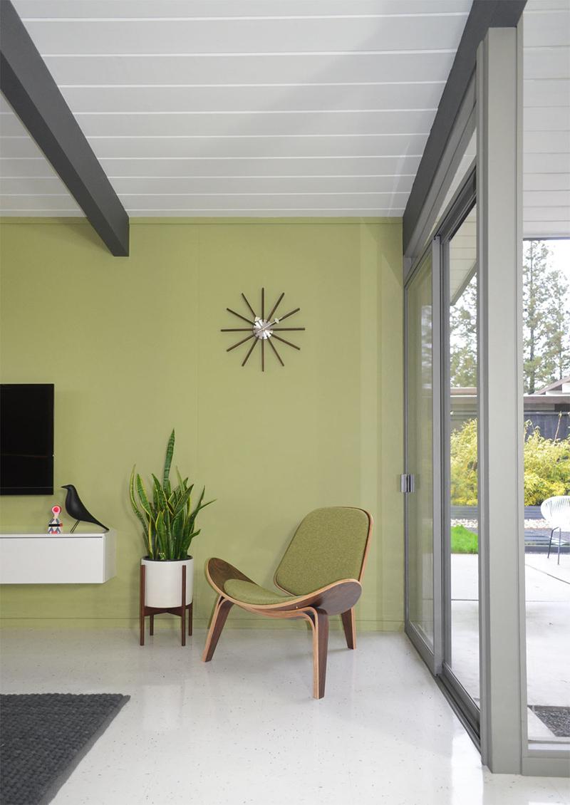green-room-corner